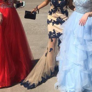Dresses & Skirts - Prom dress SOLD